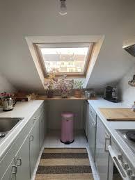 kleine küche im dachgeschoss küche dachschräge küche