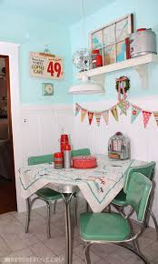 Retro Kitchen Decor By