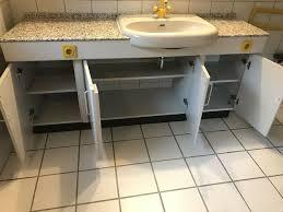 badezimmer schrank mit granit platte und waschbecken sehr schwer