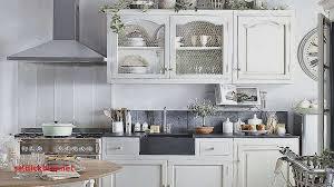 tv dans cuisine meuble tv chene massif blanchi pour idees de deco de cuisine