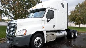 FREIGHTLINER Conventional - Sleeper Truck Trucks For Sale