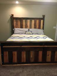 Bedroom Wall Decor Awesome Two Toned Pallet King Size Bed Frame Diy