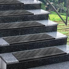 tapis antiderapant escalier exterieur marchette d escalier casa pura madras avec surface antidérapante