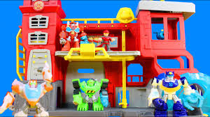 Playskool Heroes Transformers Rescue Bots Griffin Rock Firehouse ...