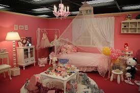 wohnzimmer dekoration im 80er jahre stil
