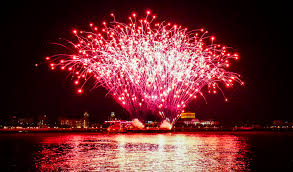 River Deck Philly Guest List by Penn U0027s Landing Fireworks Front Row Seats Philadelphia Ship