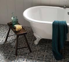 landhaus und mediterrane fliesen in küche bad bei köln