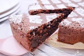 saftiger schokoladenkuchen mit mandeln miss fancy