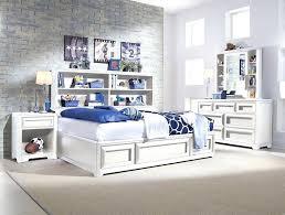 chambre avec meuble blanc chambre avec meuble blanc lit en pour ranger la deco chambre adulte