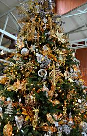 Christmas Tree Color Schemes And Theme Ideas Black Emerald Green