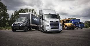 100 Ooida Truck Show DTNA Shows Two New Freightliner Electric Truck Models Bulk Transporter