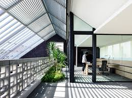 100 Hyla Architects Singaporean Home Blurs The Distinction Between Indoors And Outdoors