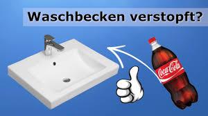 waschbecken verstopft was tun eine pet flasche hilft soforthilfe