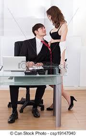 sous bureau vers bureau femme affaires soi patron traction photo de