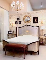Modern Bedroom Decorating Ideas Beautiful Wallpaper In Golden Colors