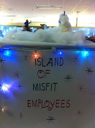 Cubicle Holiday Decorating Themes by Island Of Misfit Employees Christmas Cubicle Cubicle Decorating