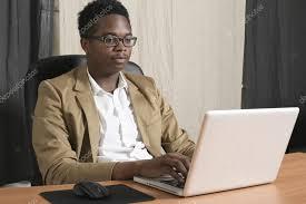 bureau homme d affaire bureau d ua homme d affaire noir photographie kpos stagiaire