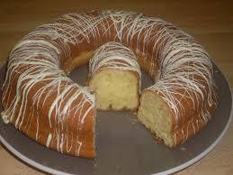 recette dessert avec yaourt comment faire un gâteau au yaourt grec parsemé de chocolat blanc