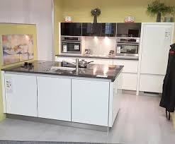 xenia line grifflos küche ohne geräte und arbeitsplatte