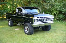 76 F250 - Ford