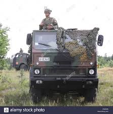 100 Mitchell Medium Truck Romanian Soldiers From The Romanian Air Defense Detachment Blue