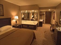 hotel avec chambre chambre d hôtel avec jaccuzi intérieurs inspirants et vues