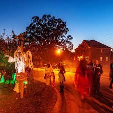 Hedelt Column Stafford Couple Loves Halloween So Much They