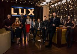 Modern Family Halloween 3 Cast by Lucifer Season 3 Cast Promo Photos Seat42f