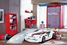 chambre a coucher pour garcon le lit voiture pour la chambre de votre enfant archzine fr