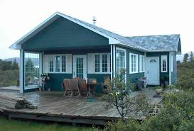 maison préfabriquée contemporaine à ossature bois en bois