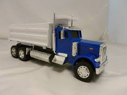 Amazon.com: R/C 1:32 Scale Peterbilt 379 Dump Truck RC: Toys & Games