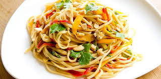 cuisine thailandaise recettes pad thaï végétarien coloré facile recette sur cuisine actuelle