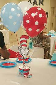 Graduation Table Decorations To Make by Best 25 Dr Suess Centerpieces Ideas On Pinterest Dr Seuss Party