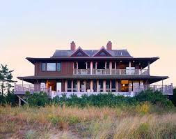 100 Architects Southampton CWB Build Modern Sea Front Thai Beach House In