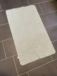 großer badteppich mint größe 110 cm x 65 cm