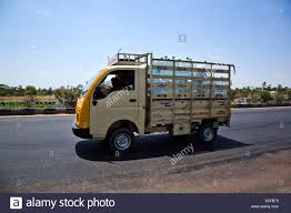 Mini Truck Stock Photos & Mini Truck Stock Images - Alamy