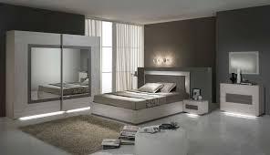 chambre a coucher blanc laqué clichy une chambre à coucher en blanc laqué vraiment éclatante