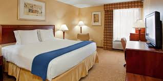 Holiday Inn Express & Suites St Louis West Fenton Hotel by IHG