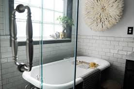 Simple Bathroom Designs With Tub by Bathroom Cozy Tile Flooring With Cozy Clawfoot Tub For Small