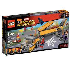Lego 76067: Tanker Truck Takedown (Retired), Mainan & Game ...