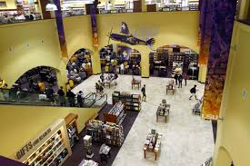 Barnes & Noble at LSU opens to the public News