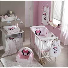 chambre bébé disney tour de lit disney personnalisé minnie