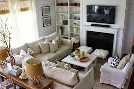 kleines wohnzimmer großes sofa moderner landhausstil klein