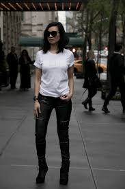 3 ways to make a white t shirt look cool