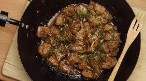 cuisiner avec un wok wok de bœuf mariné à la sauce soja ail gingembre et citron vert