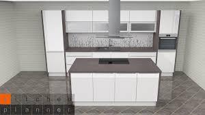 moderne inselküche engelberg küchenzeile mit kochinsel weiß hochglanz mit e geräten