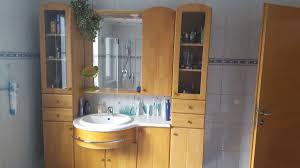 badezimmerschrank mit waschbecken
