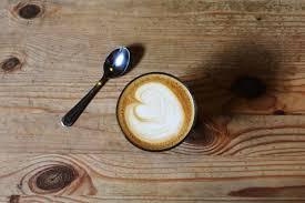 dejeuner bureau image libre bois bureau café boisson petit déjeuner tasse à