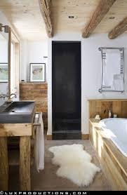 Rustic Barn Bathroom Lights by Best 25 Rustic Modern Bathrooms Ideas On Pinterest Modern Diy