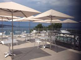 location bureau avignon terrace sunshades for restaurants professional sunshades
